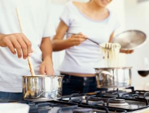 Bildquelle: (c) George Doyle/Stockbyte/Thinkstock Zusammen leben, kochen und lachen